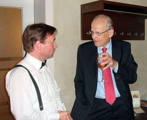 Prof. Dr. Luzius Wildhaber und Christian Dueblin in Gespräch