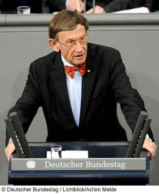 Prof. Dr. Dr. h.c. mult. Heinz Riesenhuber im Deutschen Bundestag