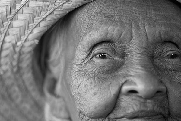 Portrait old Asian woman (Foto: Xecutives.net)